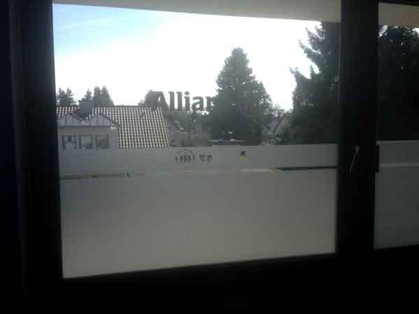fertiges Fenster mit Glasdekofolie